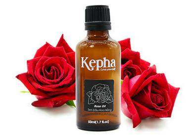 Lợi ích tuyệt vời của tinh dầu hoa hồng thiên nhiên