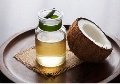 Bí quyết dưỡng ẩm da trong mùa đông với dầu dừa
