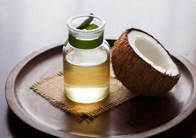 Dầu dừa ép lạnh khác với dầu dừa chiết xuất bằng phương pháp sử dụng nhiệt(ép nóng) như thế nào?