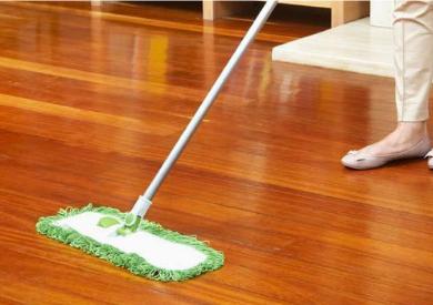 Lau sàn nhà với tinh dầu sả chanh và tinh dầu quế