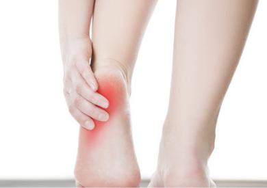 Bật mí cách chăm sóc gót chân mềm mại mịn màng như cánh sen