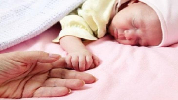 Trẻ sinh non có được dùng dầu tràm không?