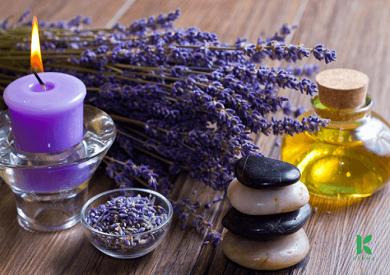 Dùng tinh dầu oải hương dưỡng tóc như thế nào?