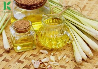 Thành phần của tinh dầu sả chanh chủ yếu là gì?