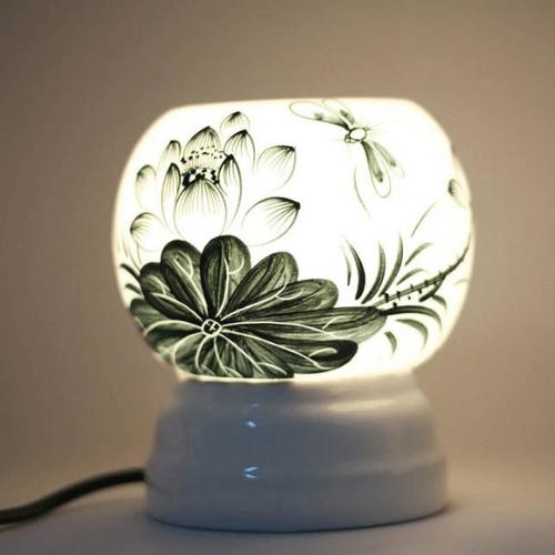 Đèn xông tinh dầu MD020