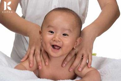 Tinh dầu sả chanh có tốt cho trẻ sơ sinh không?