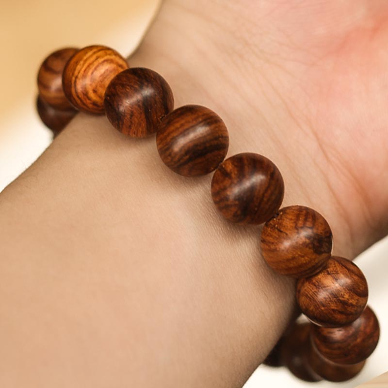 Vòng tay gỗ Sưa Đỏ rừng Quảng Bình