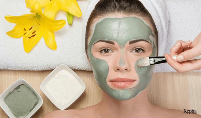 Làm mặt nạ dưỡng da bằng tinh dầu hoa nhài
