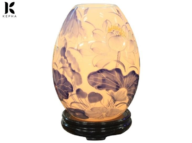 giá đèn xông tinh dầu sứ thấu quang