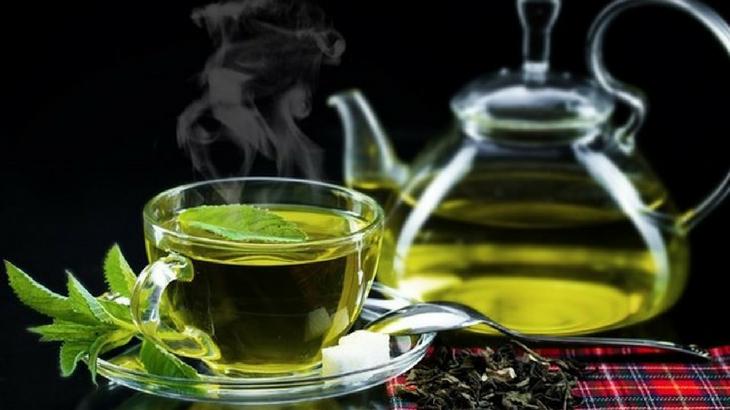 uống trà giúp ngủ ngon hơn