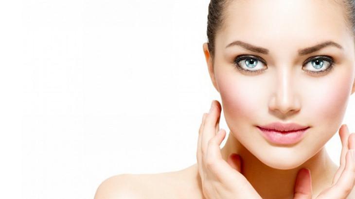 chăm sóc  da với tinh dầu hoahồng